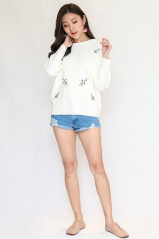 Springleaf Embroidery Pullover In White