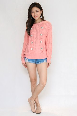 Bed Of Roses Pullover In Pink