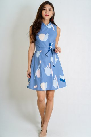 Gracie Removable Mandarin Collar Dress In Blue