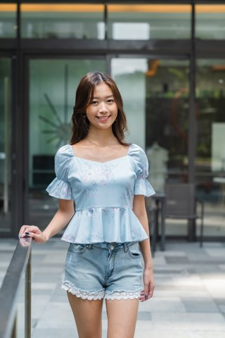 Stacie Puffy Sleeves Top in Baby Blue