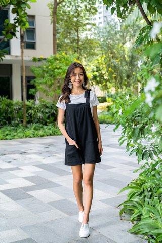 Elaine Shoulder Tie Pocket Romper In Black