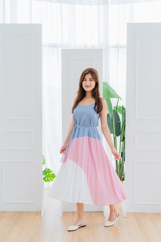 Alara Pleated Dress In Blue/Pink