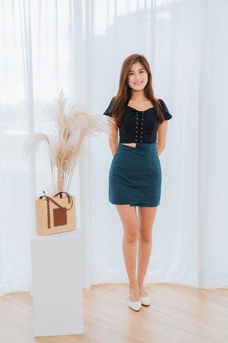 Tara Shoelace Top In Black
