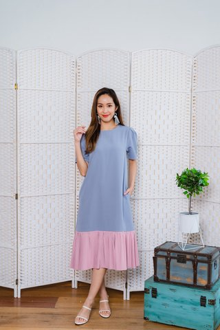 Rowse Colour Block Pleat Hem Dress In Light Blue/Pink