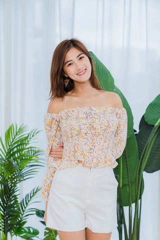 Miranda Floral Smocked Top In Cream