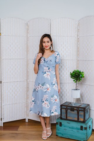 Fiona Floral Midi Dress In Ash Blue