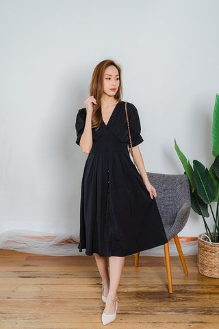 Ivy Sleeve Midi Dress In Black
