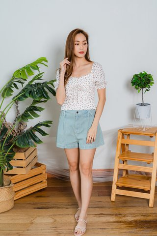 Genevieve Roses Floral Top In White