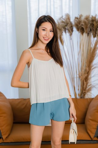 Carly Two Way Pleated Top In White