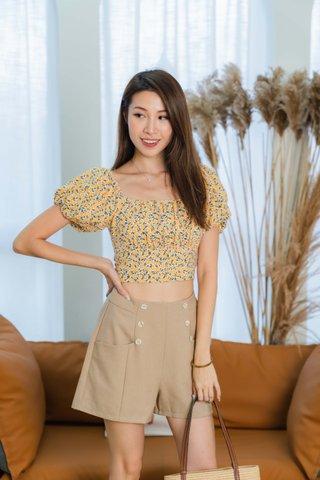 Moira Tortoiseshell Buttons Shorts In Khaki