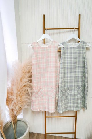Bonnie Checkered Shift Dress In Pink